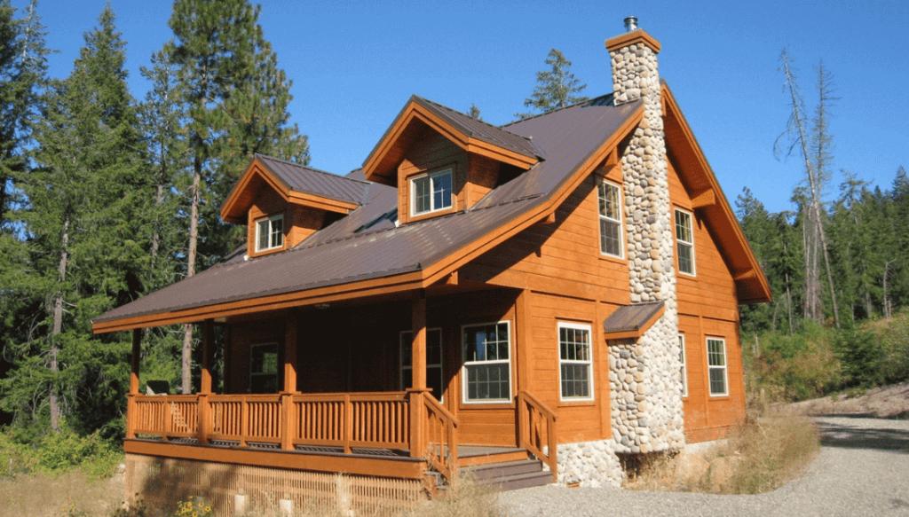 Cedar Wood Siding on a Cabin Style Home
