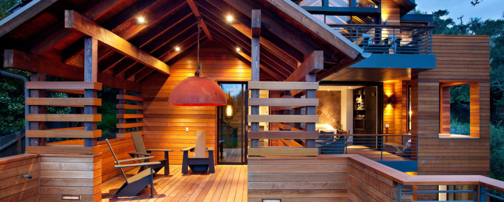 Horizontal Wood Siding on a Contemporary Home